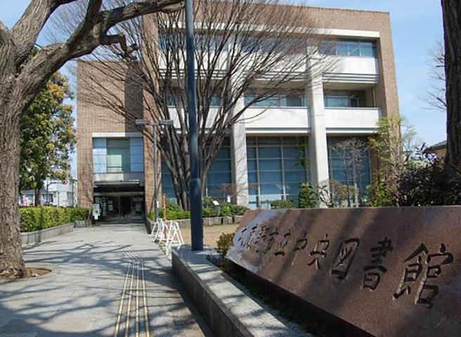 武蔵野市立中央図書館の外観