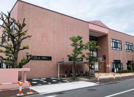 足立区立鹿浜図書館